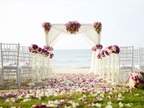 how_to_snag_your_dream_wedding_destination