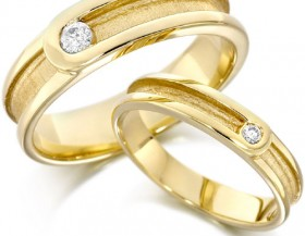 Buying wedding rings in Houston
