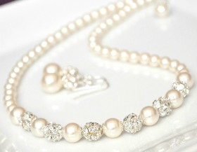 5 Best Kinds of Wedding Jewelry