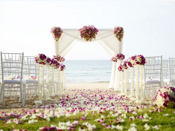 how_to_snag_your_dream_wedding_destination